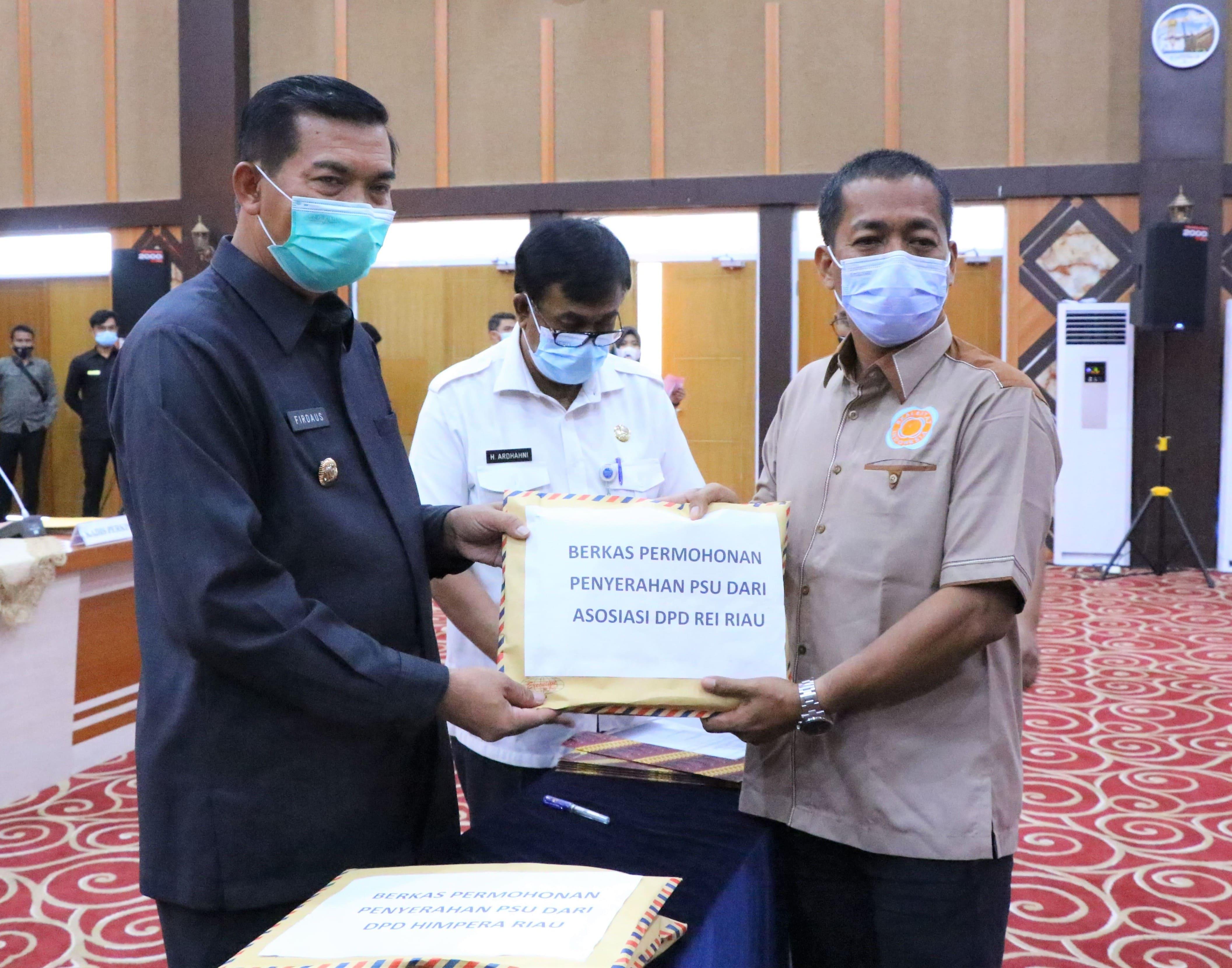 Wali kota Pekanbaru Dr H Firdaus ST.MT Menerima Penyerahan Berkas PSU Perumahan