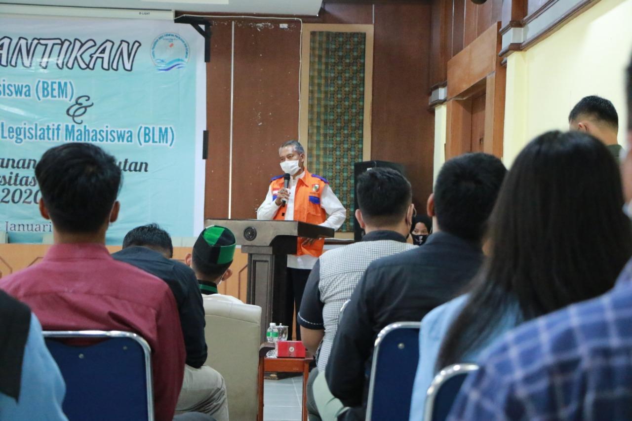 Wakil Walikota Ayat Cahyadi memberi sambutan dan arahan kepada mahasiswa yang sudah di lantik.
