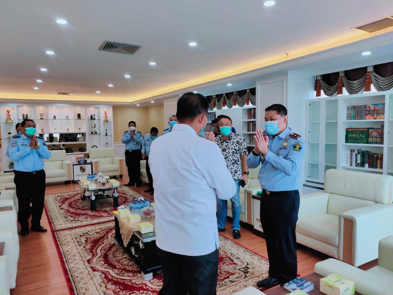 Walikota menyambut kedatangan Kepala Imigrasi Pekanbaru