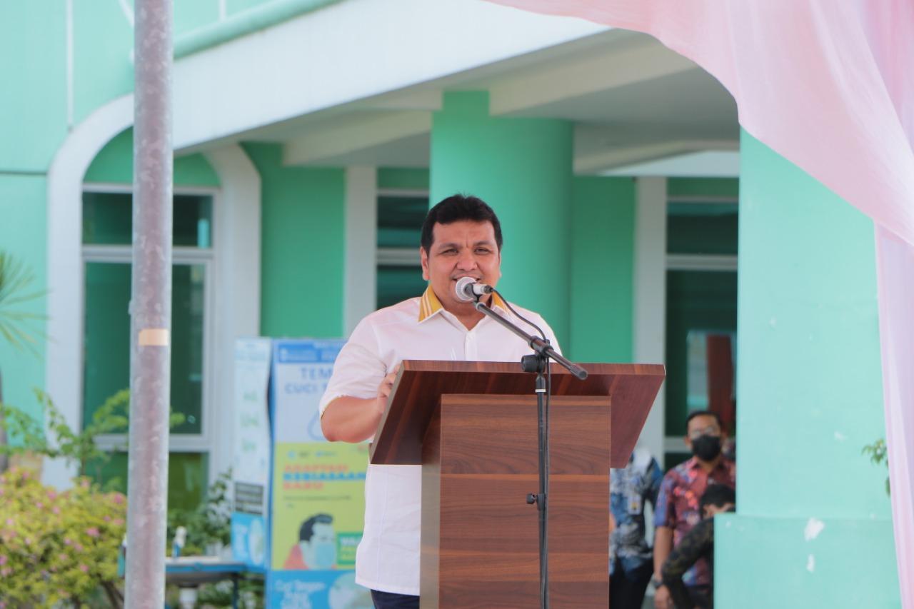 Sekretaris Ditjen P2P Kementrian Kesehatan RI, Budi Hidayat mendorong pemerintah daerah pro aktif dalam proses vaksinasi bagi tenaga kesehatan.