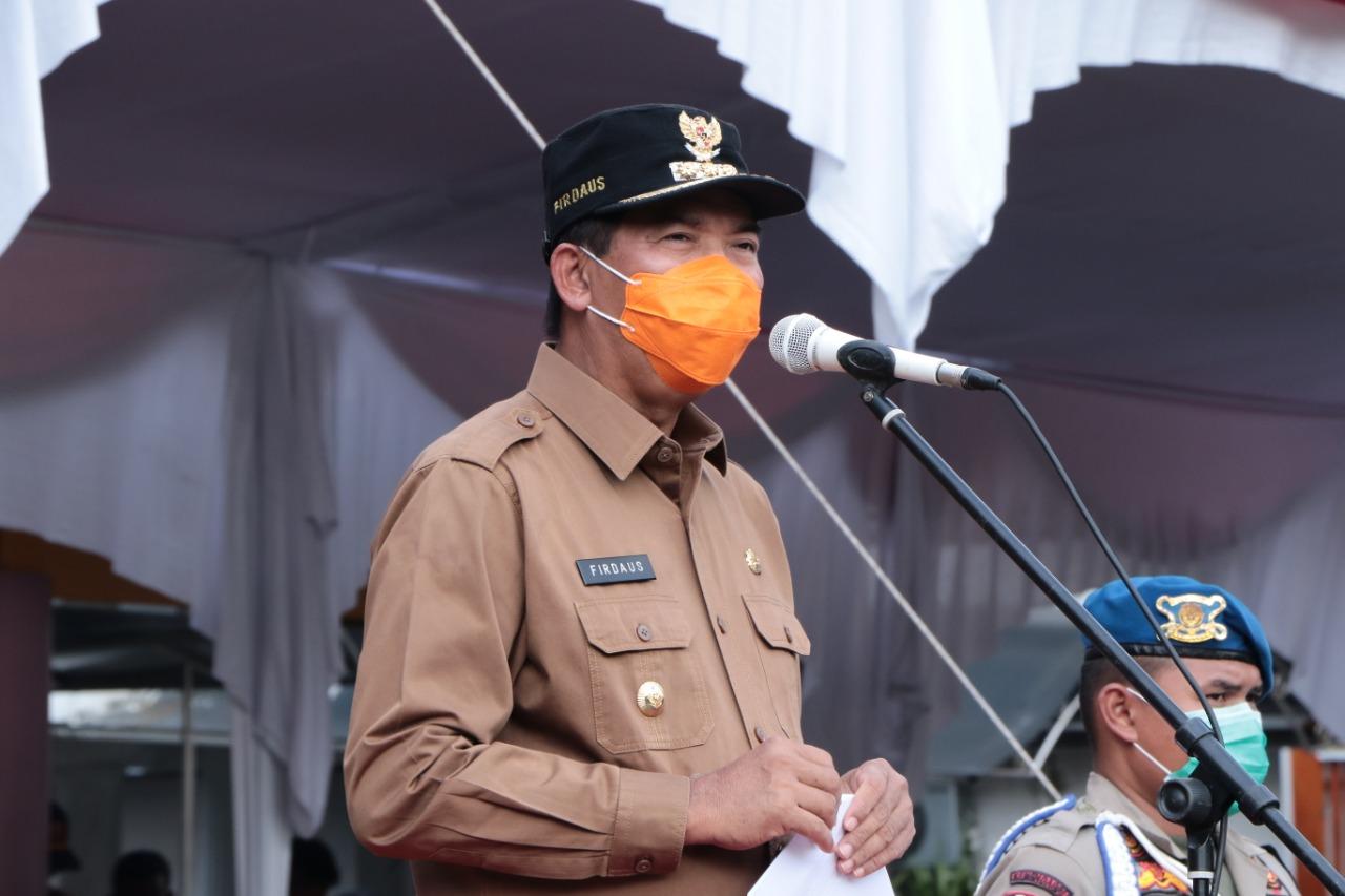 Walikota Pekanbaru Dr H Firdaus ST MT memberi Arahan kepada Kasatpol PP yang telah menerima jabatan menyebutkan, Satuan Polisi Pamong Praja (Satpol PP) kini memiliki dua tugas tambahan selain tugas rutin menegakan Peraturan Daerah (Perda) tentang Pengaturan Sosial Kemasyarakan.