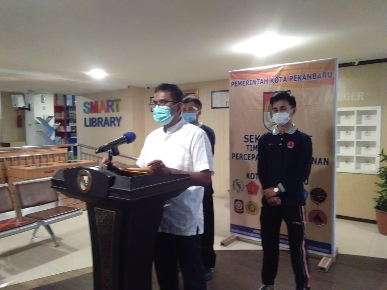 Image : 45 Swab Test Massal di Pasar Agus Salim Hasilnya Negatif