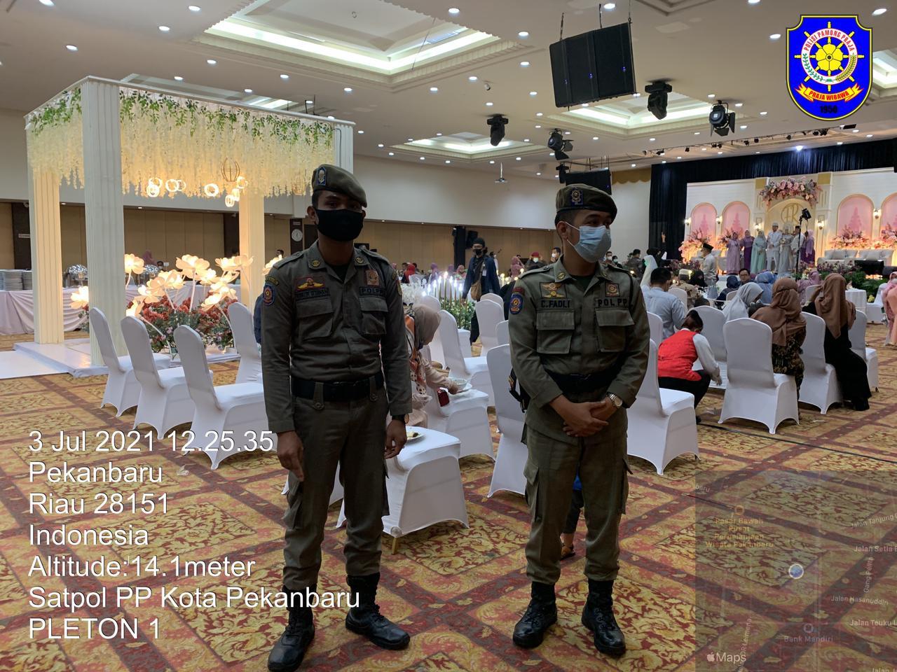 Satpol PP Cek Prokes di Sejumlah Lokasi Pernikahan