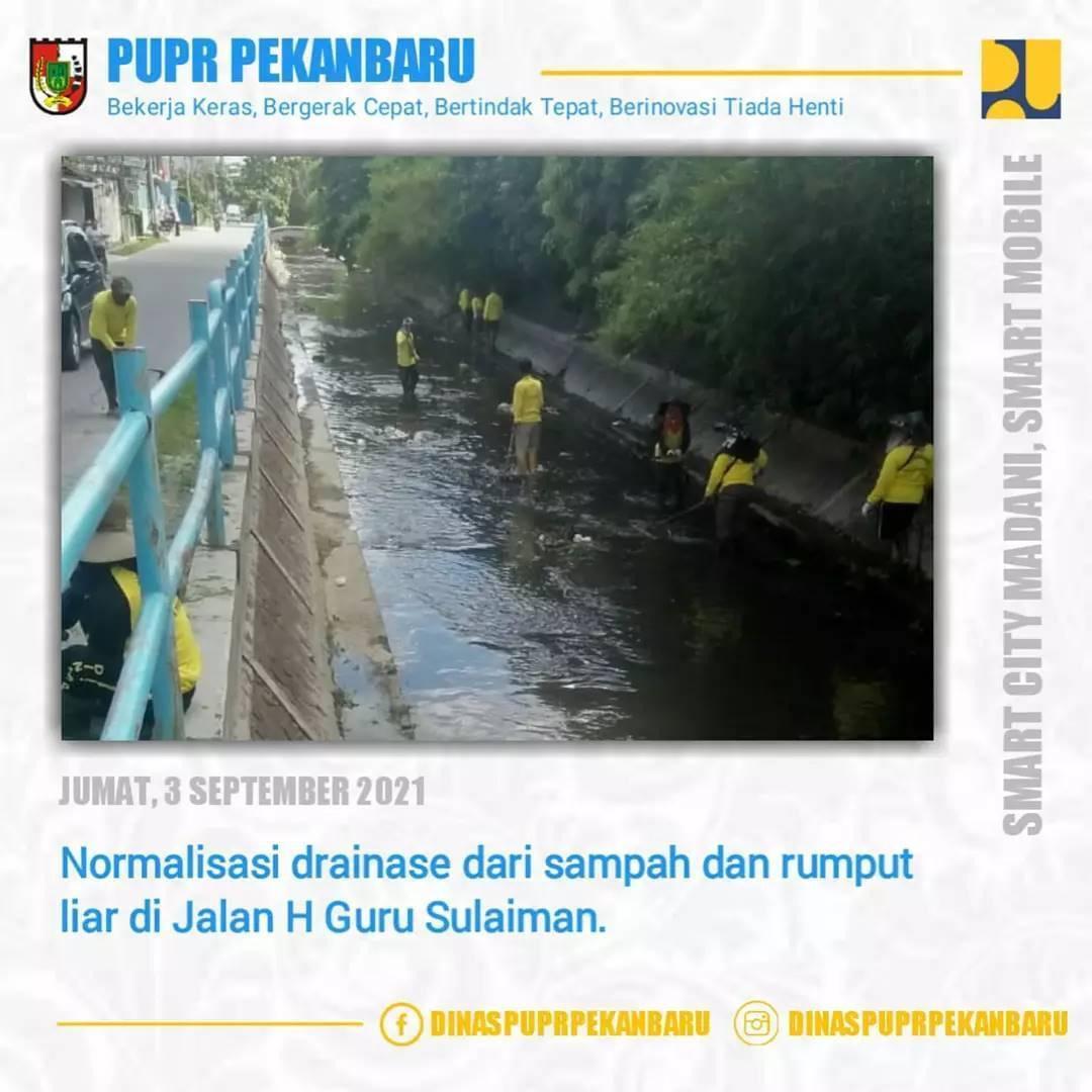 Cegah Banjir, Dinas PUPR Pekanbaru Terus Lakukan Normalisasi Saluran Air