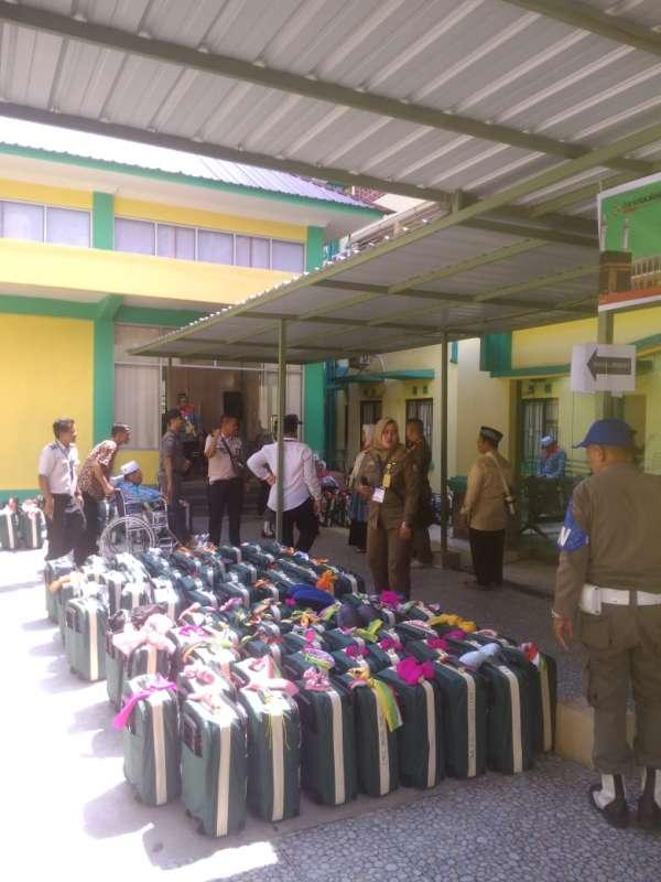 450 JCH Pekanbaru Dilepas ke Embarkasi Antara Riau