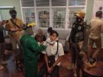 Image : Tim Gabungan Sanksi Dua Tempat Usaha dan Lakukan Swab Antigen Puluhan Orang