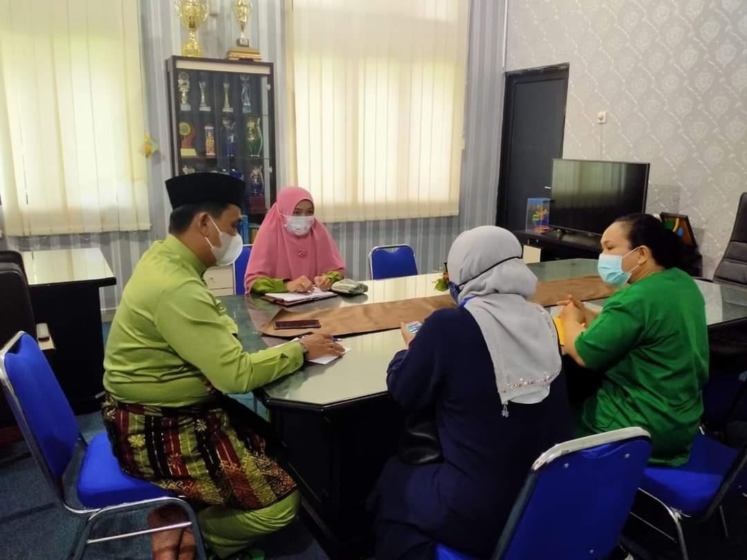 Vaksinasi, Camat Binawidya Koordinasi dengan Pihak Puskesmas Sidomulyo dan Simpang Baru