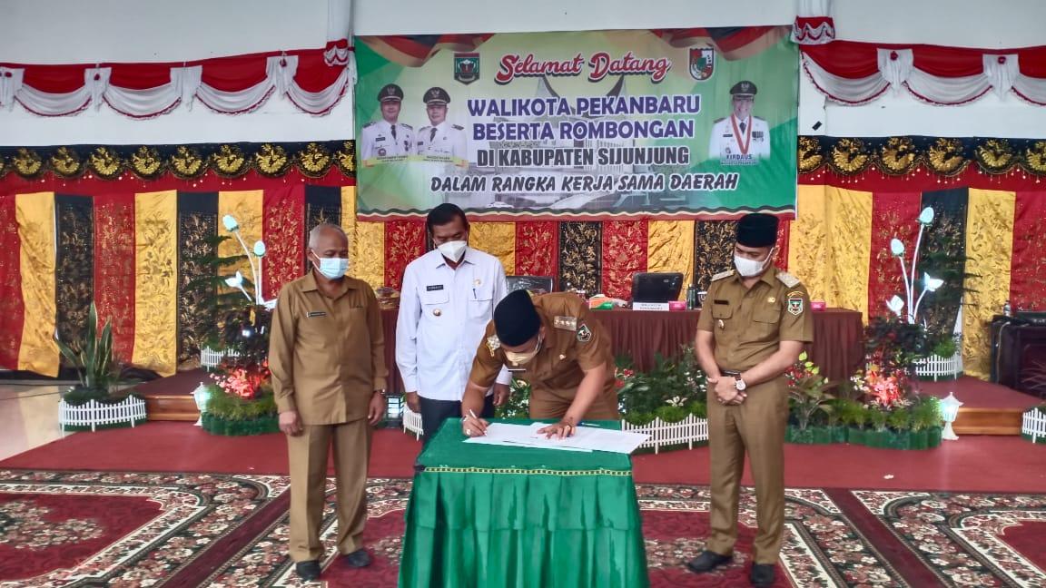 Bupati Sijunjung Sebut Pekanbaru Sebagai Pasar Terbesar Sumatera