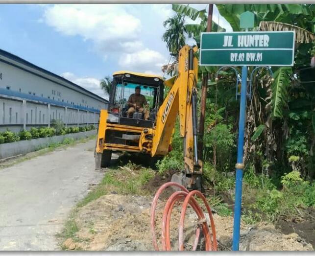 Dinas PUPR Buat Drainase di Jalan Hunter Marpoyan Damai
