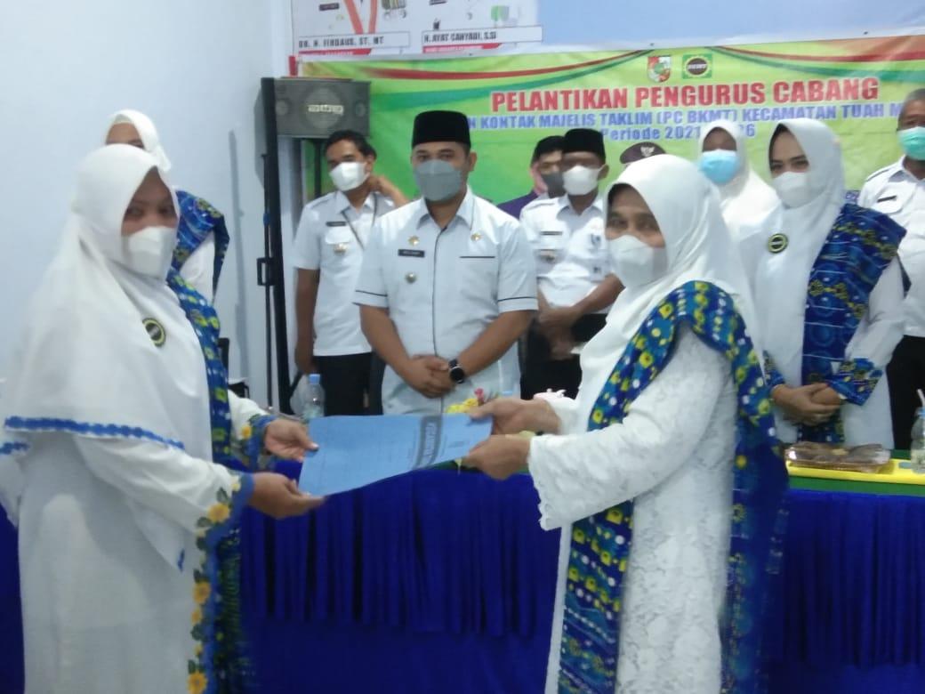 Camat Tuah Madani Hadiri Pelantikan PC BKMT