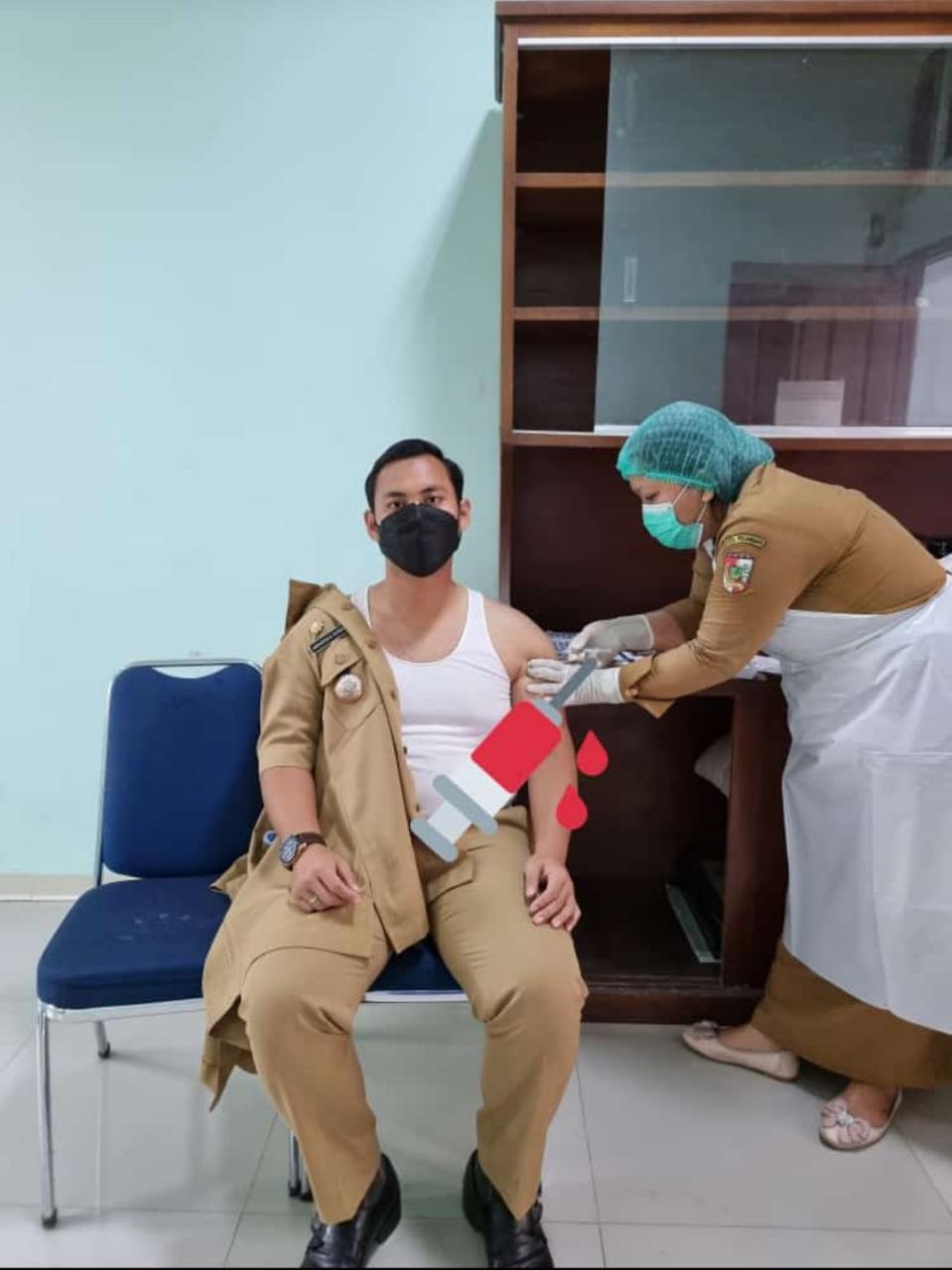 Lurah Rejosari Disuntik Vaksin Covid-19