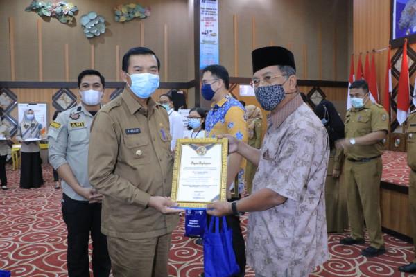 Taat Pajak, Tiga Perusahaan dan Birokrat Senior Terima Penghargaan