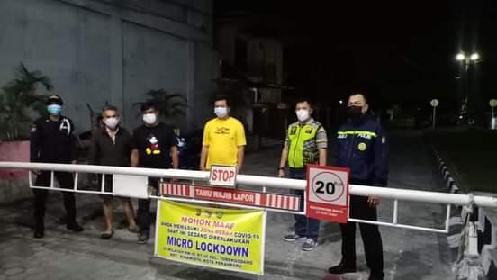 Image : RW 01 Kelurahan Tobek Godang Jalani Micro Lockdown