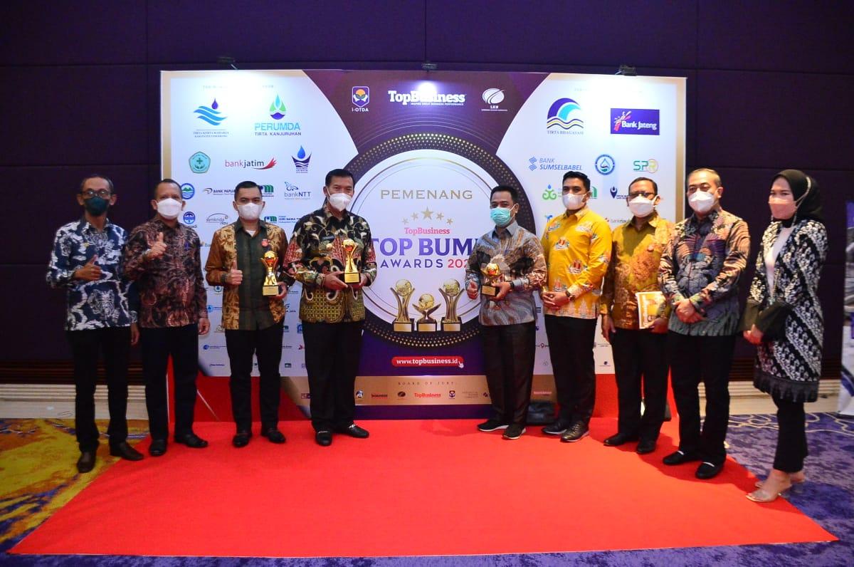Walikota Pekanbaru Raih TOP Pembina BUMD Award 2021