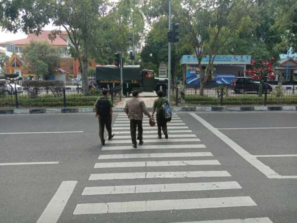 Nyebrang Jalan, Warga Diminta Manfaatkan Pelican Crossing