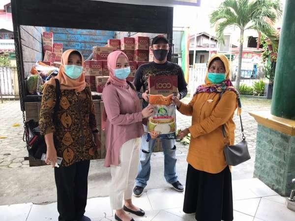 Image : 57 KK di Kampung Tengah Terima Bantuan Sembako Tahap II