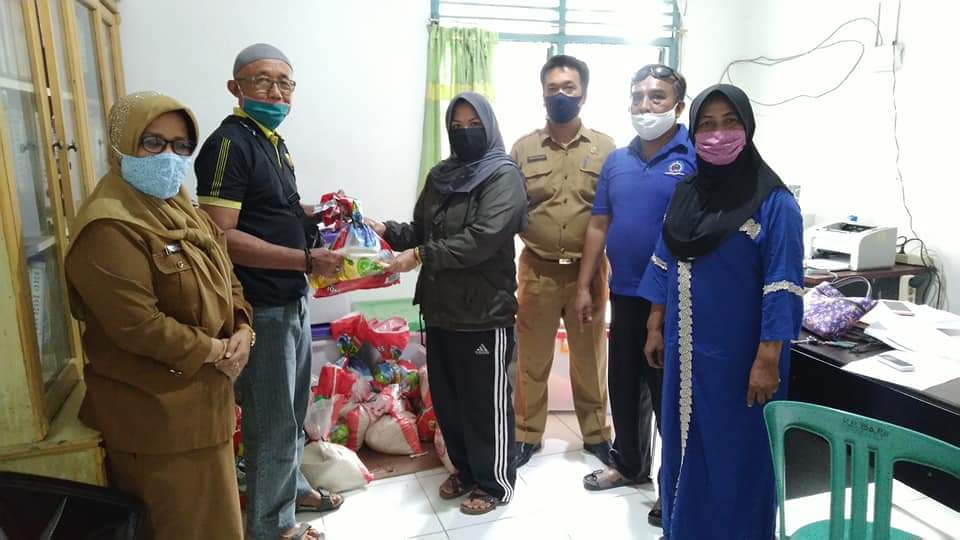 Image : Kelurahan Kampung Baru Salurkan Sembako untuk Warga Terdampak Covid-19