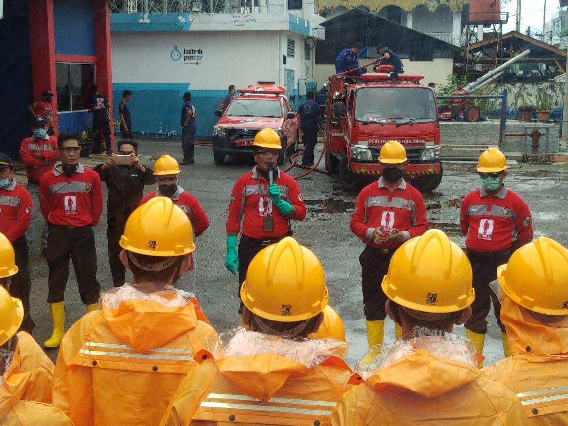 Image : Tim DPKP Gelar Penyemprotan Disinfektan di Marpoyan Damai