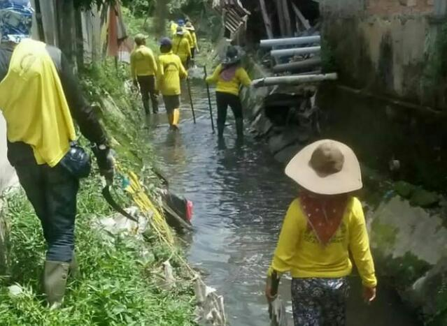 Dinas PUPR Normalisasi Anak Sungai Sail di Perumahan Jondul