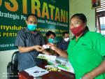 Image : Distankan Salurkan 1200 Kartu Tani di Pekanbaru