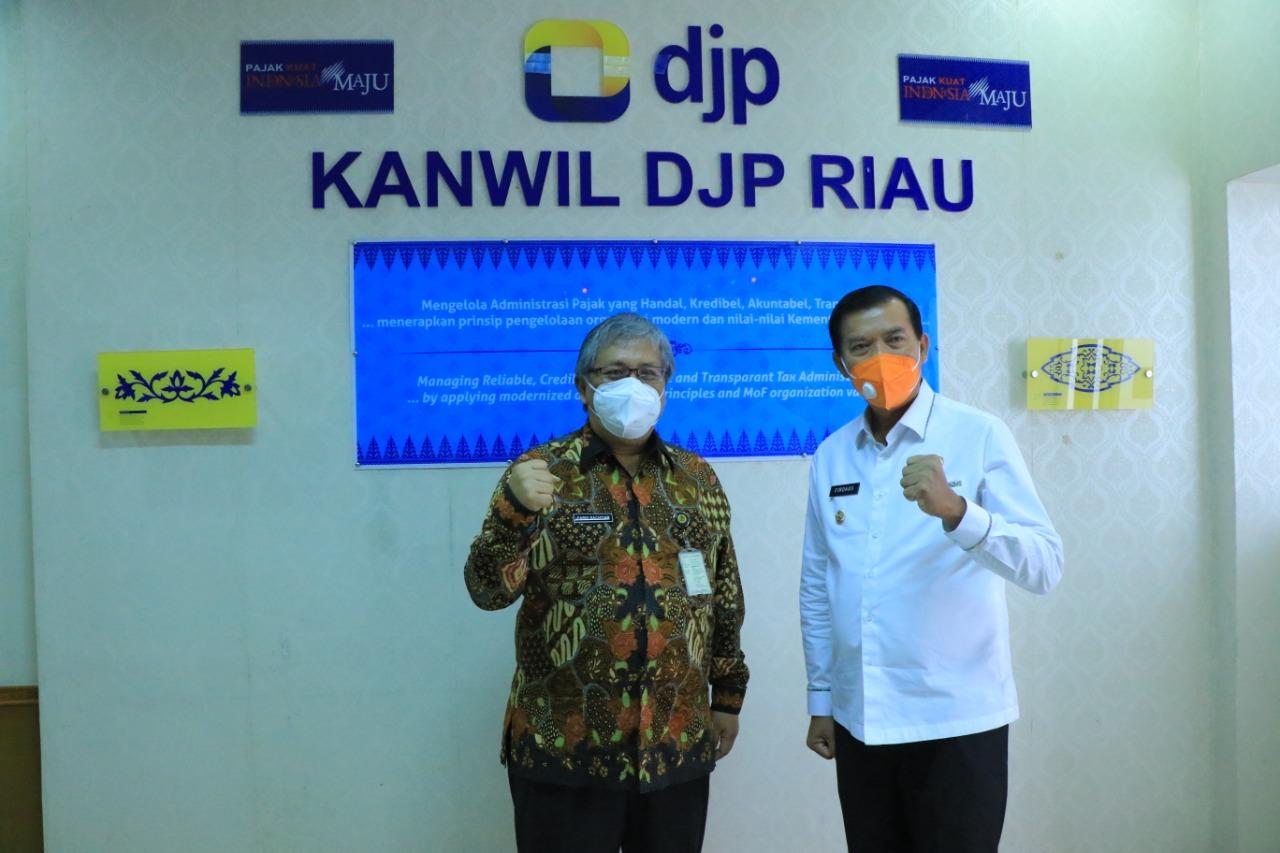 Wako dan DJP Riau Bahas Strategi Penerimaan Pajak Tahun Ini