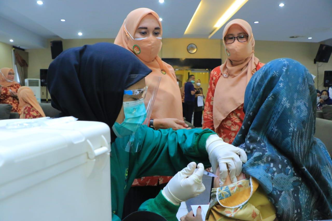 DWP Kota Pekanbaru Gelar Vaksinasi Massal