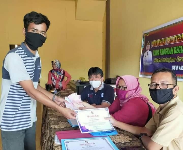 Image : Pelatihan Mekanik Sepeda Motor, Warga Kelurahan Pematang Kapau Dapat Sertifikat