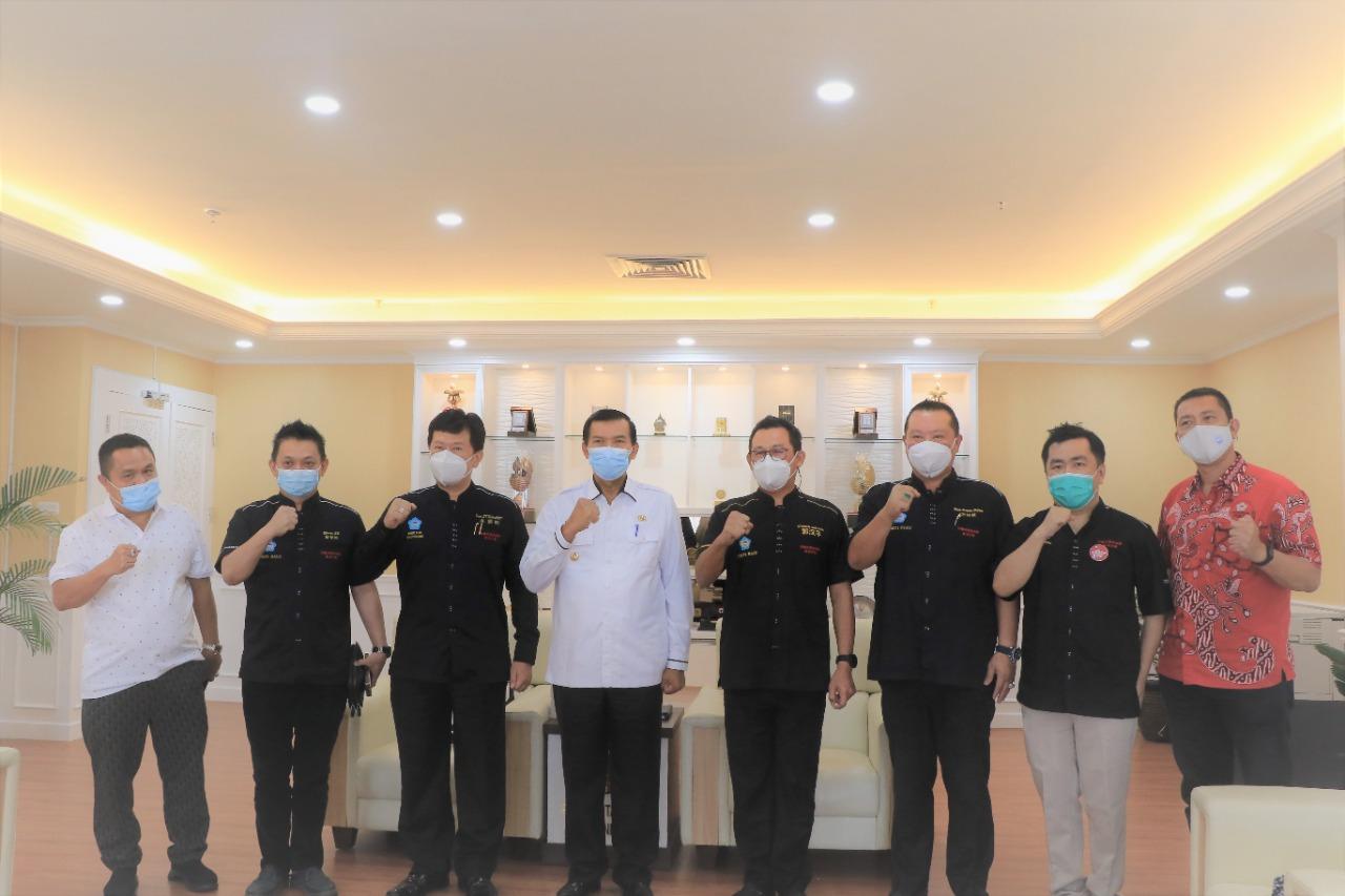 Image : Bahas Vaksin untuk Lansia, PSMTI Riau Silaturahmi dengan Wali Kota