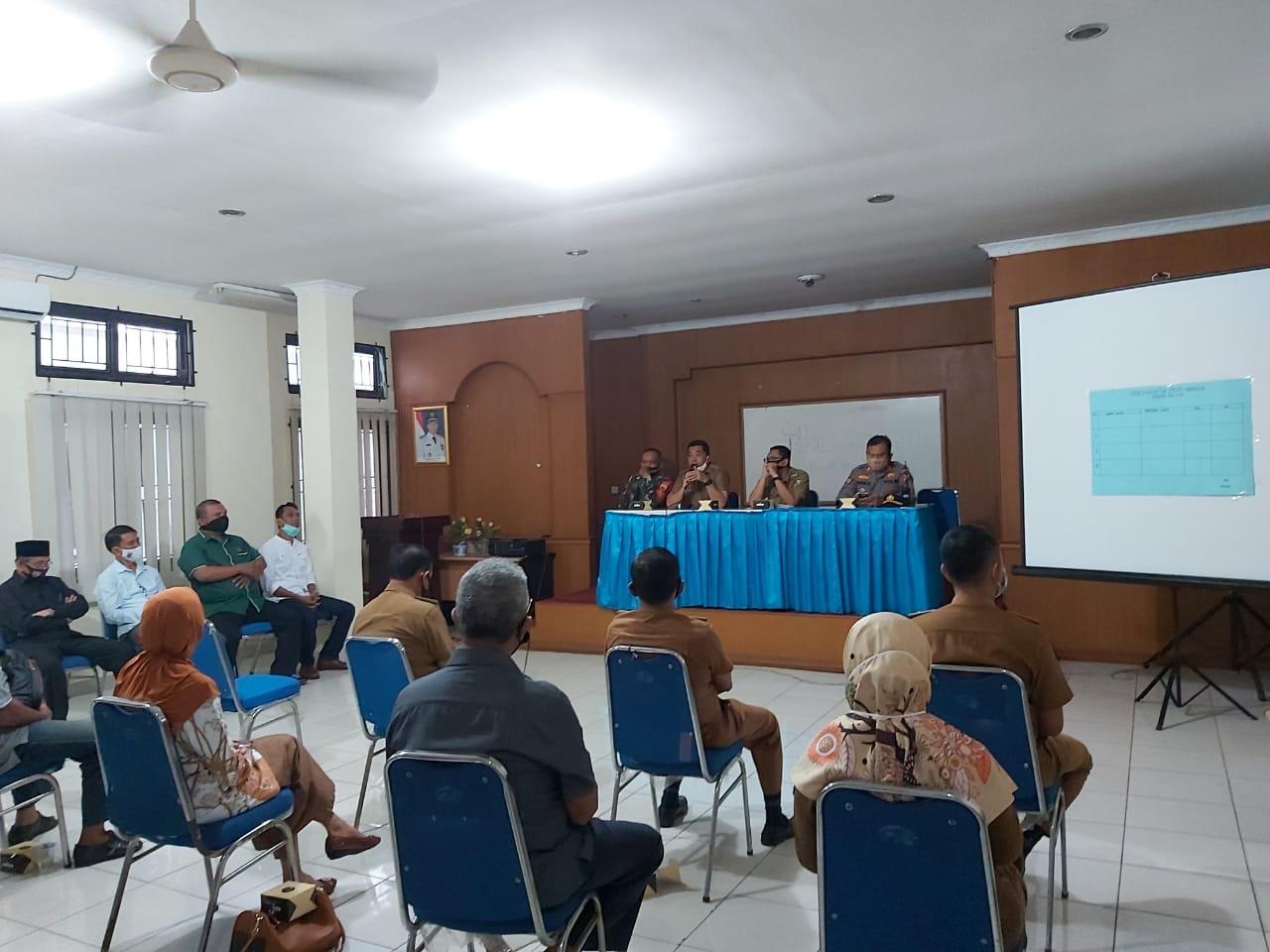 Image : Camat Harapkan Ketua LPM Lima Puluh Bersinergi dengan Pemerintah