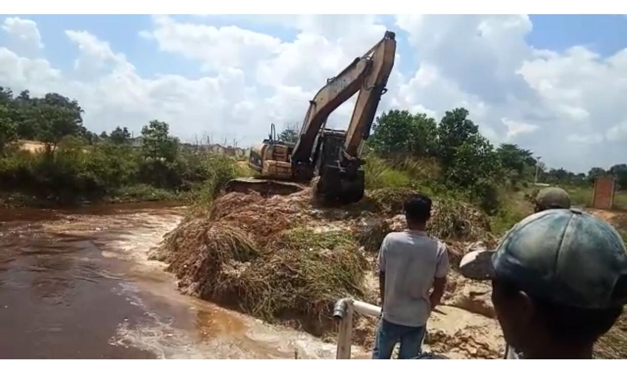 Dinas PUPR Normalisasi 3 Sungai Pekan Ini