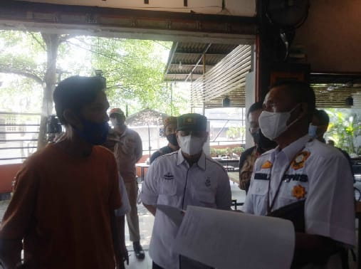 Image : Tindakan Petugas Selama PPKM Level IV, Diantaranya 37 Orang Diamankan