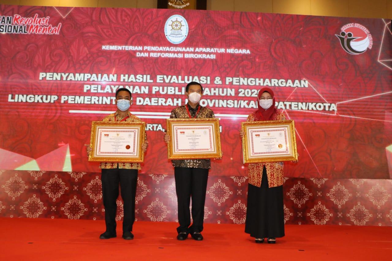 Image : Penghargaan Pelayanan Prima dan Penghargaan Pembina Pelayanan Terbaik Tingkat Nasional