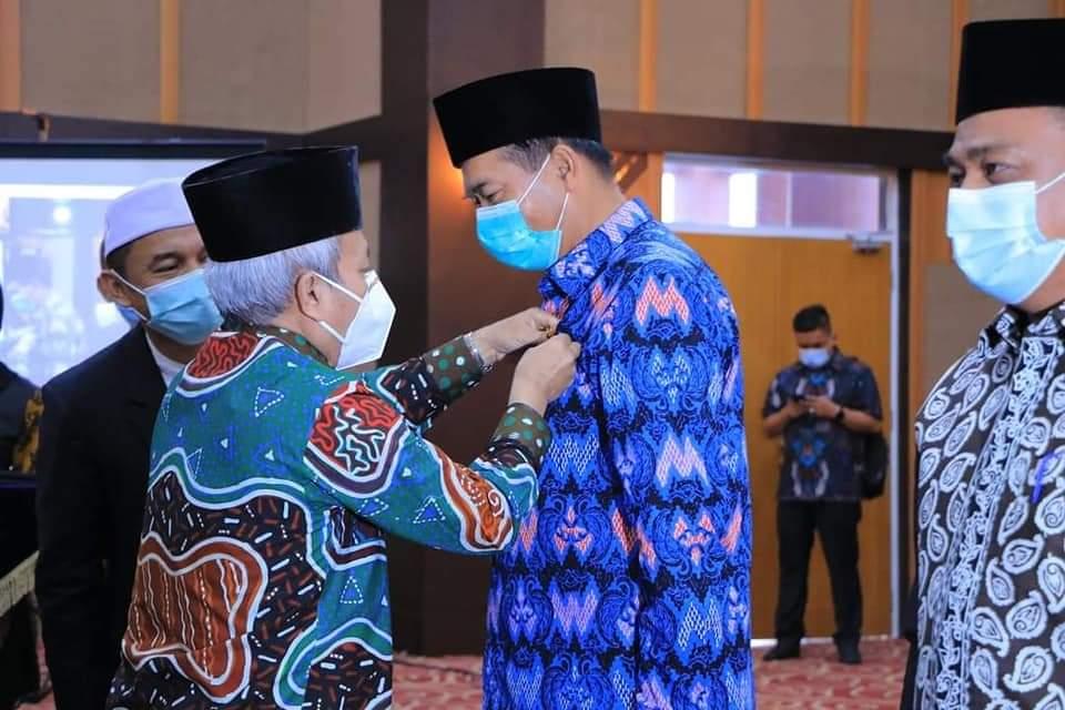Image : Penghargaan atas Dedikasi dalam Pengembangan Peran Masjid di Kota Pekanbaru